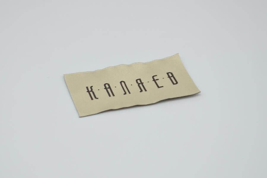 Тканевые ярлыки для одежды на заказ в Москве