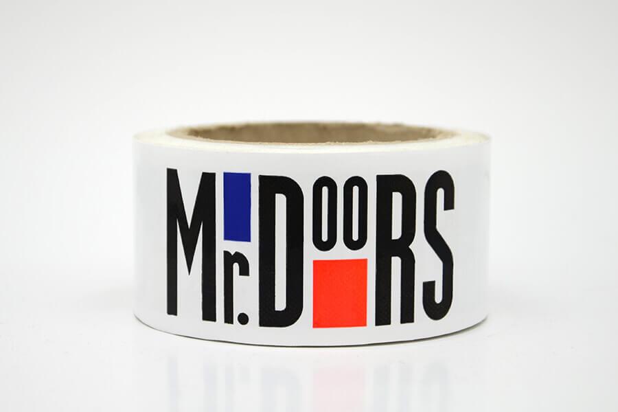 Клейкая лента с логотипом «Mr.Doors»