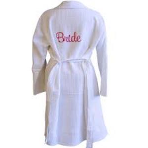 Вышивка на халатах на заказ